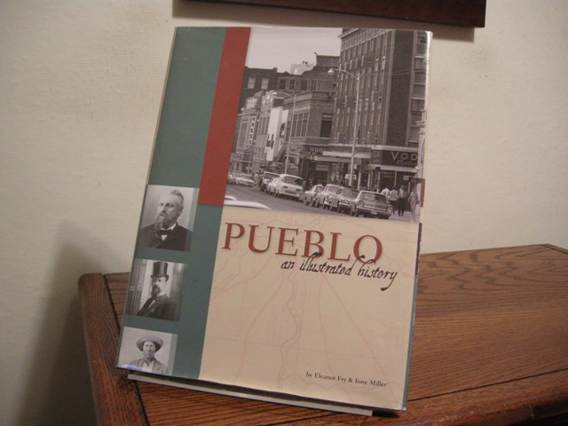 Image for Pueblo: An Illustrated History